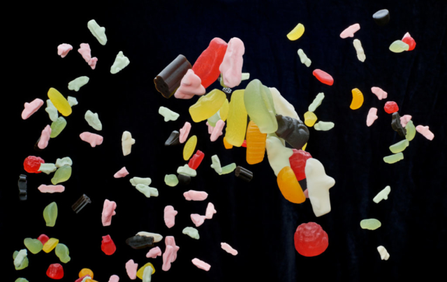 Candy in free fall